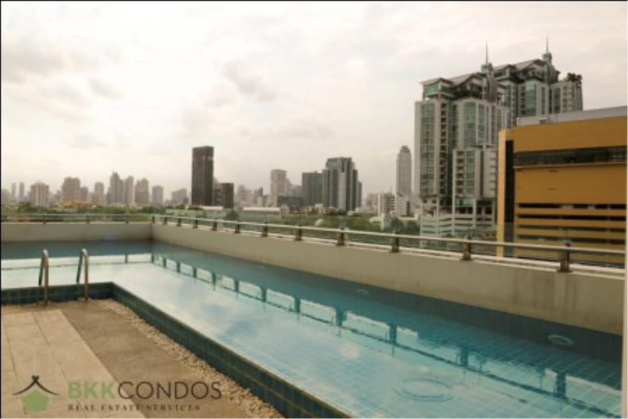 BKK Condos Agency's One bedroom condo for rent at The Address 42  17