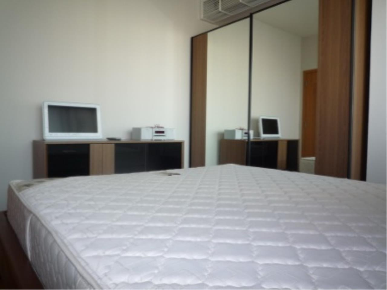 BKK Condos Agency's Modern style two bedroom condo for rent at The Emporio Place  5
