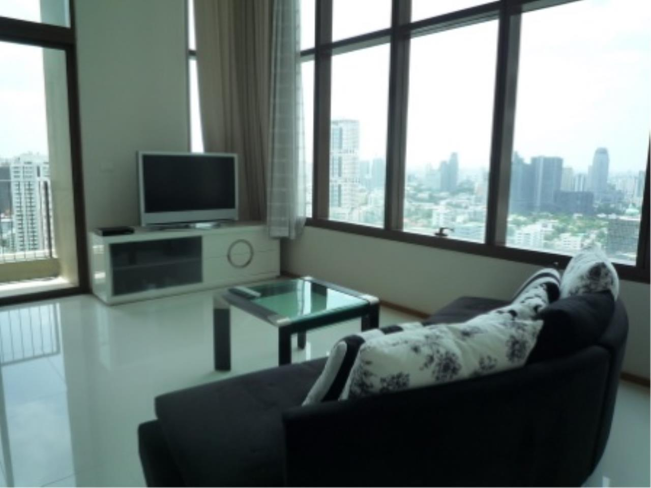 BKK Condos Agency's Modern style two bedroom condo for rent at The Emporio Place  14