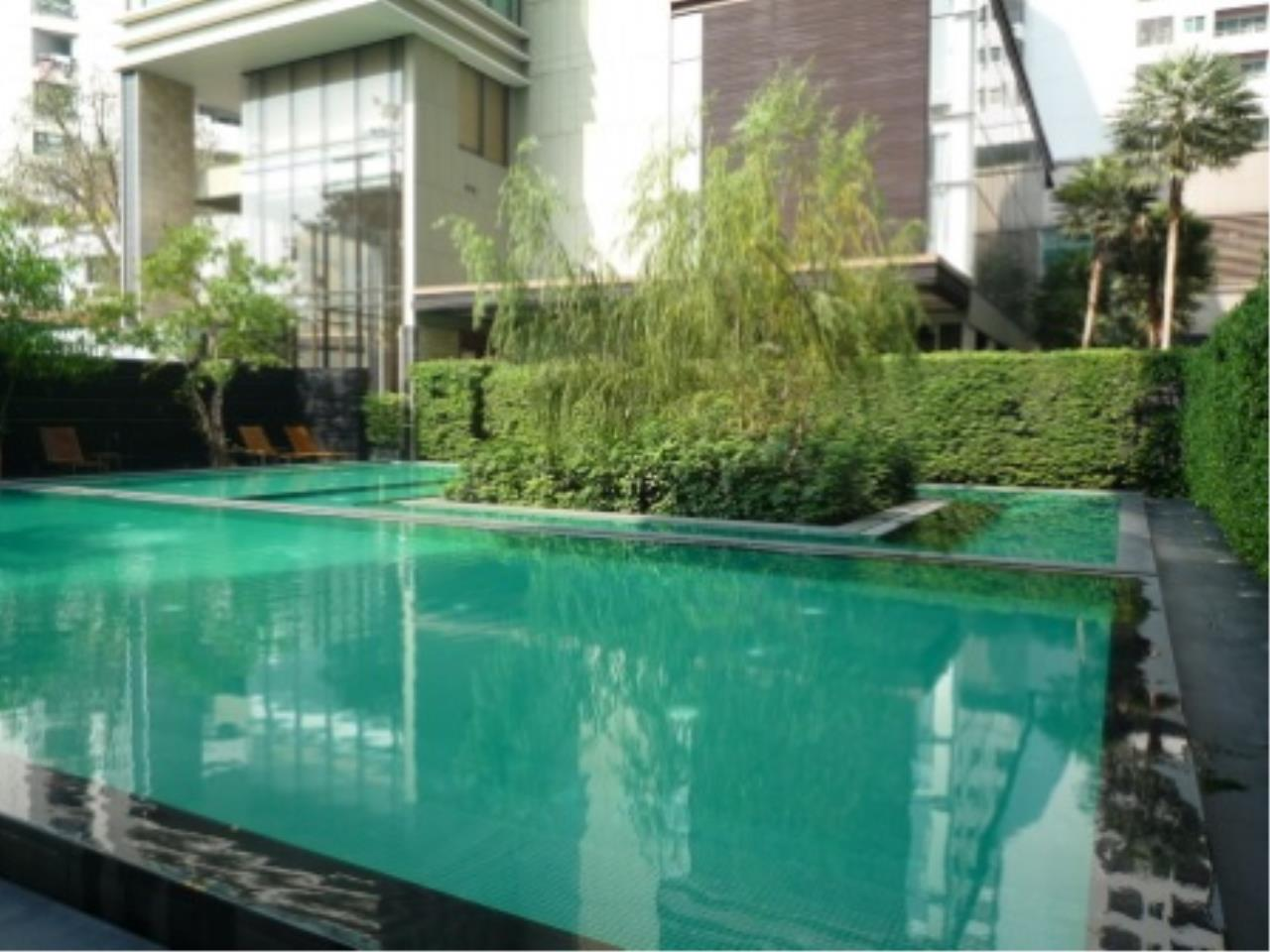 BKK Condos Agency's Modern style two bedroom condo for rent at The Emporio Place  11