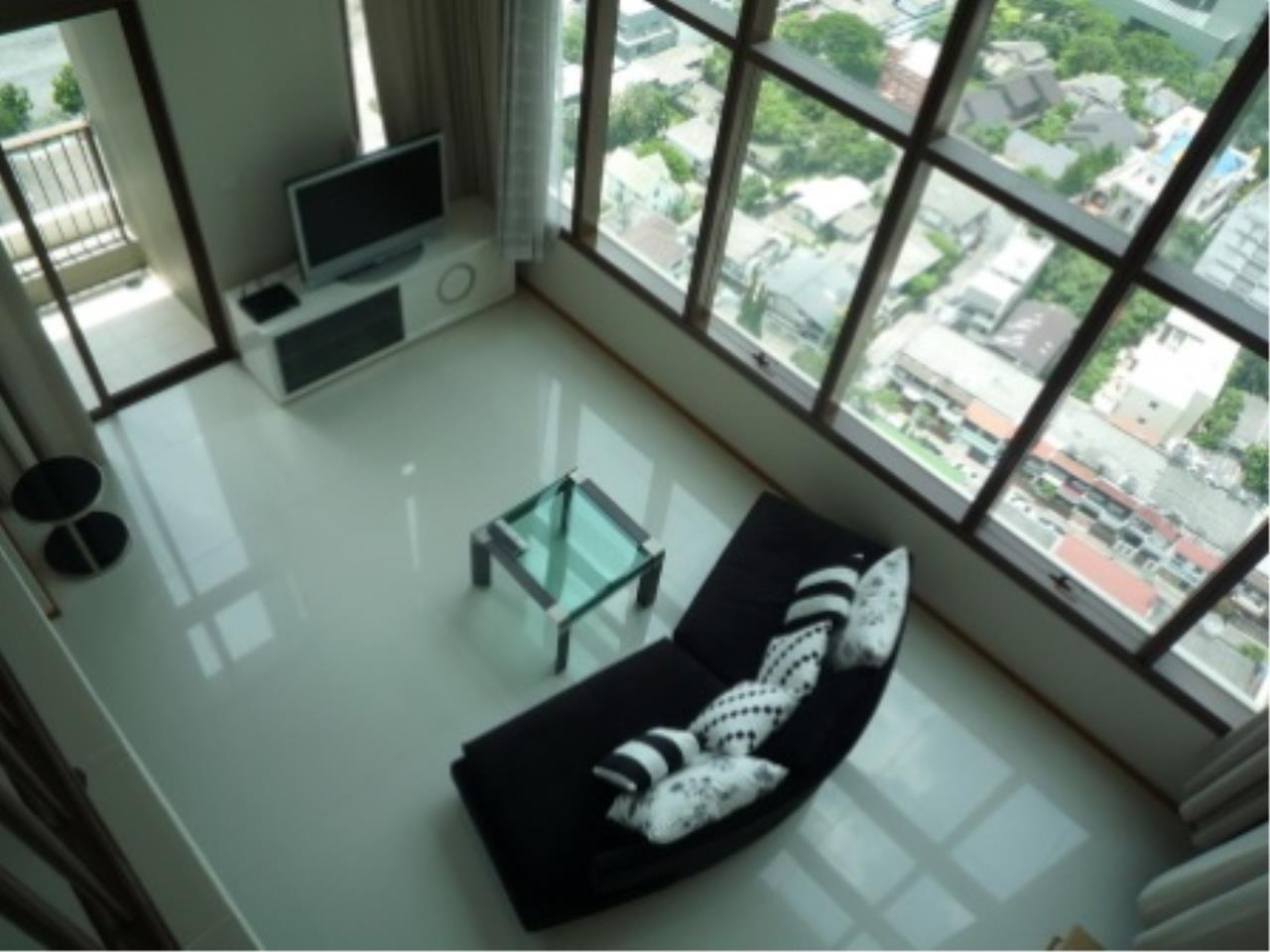 BKK Condos Agency's Modern style two bedroom condo for rent at The Emporio Place  8