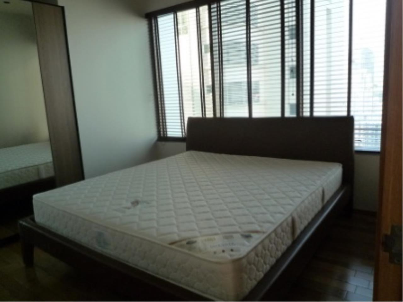 BKK Condos Agency's Modern style two bedroom condo for rent at The Emporio Place  7