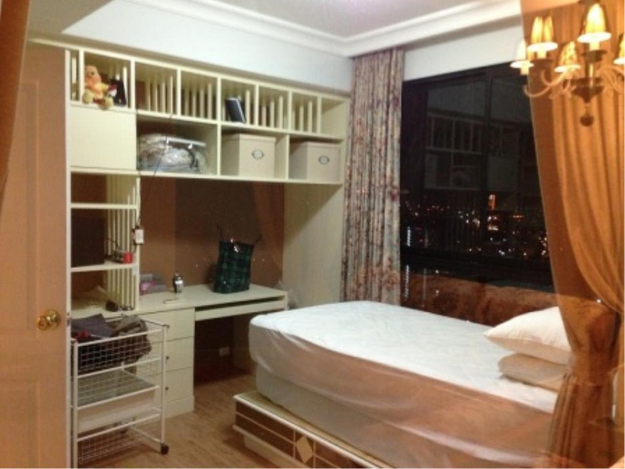 BKK Condos Agency's Nice two bedroom condo with city view at Supalai Casa Riva 5