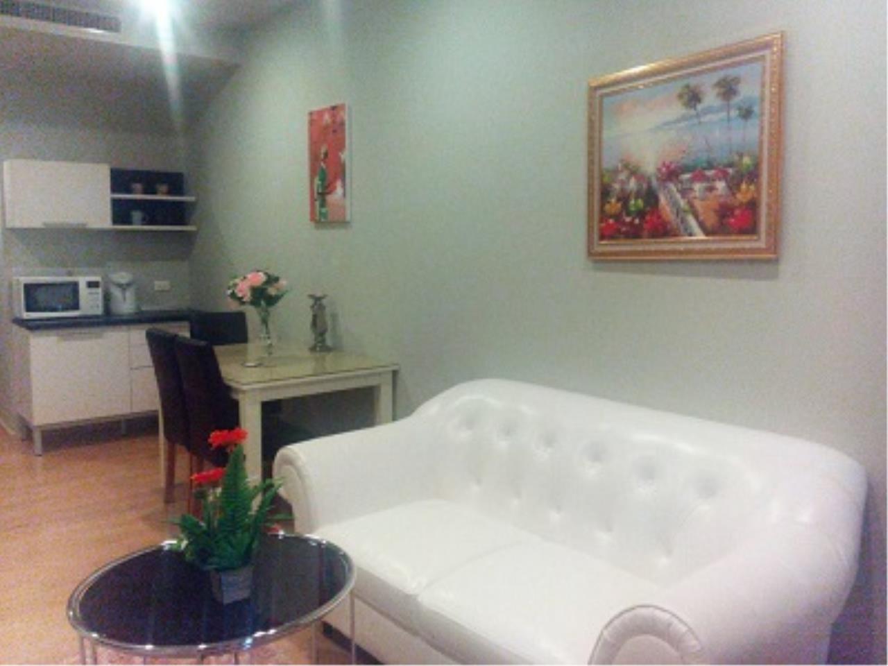 BKK Condos Agency's One bedroom condo for rent at Noble Refine  5