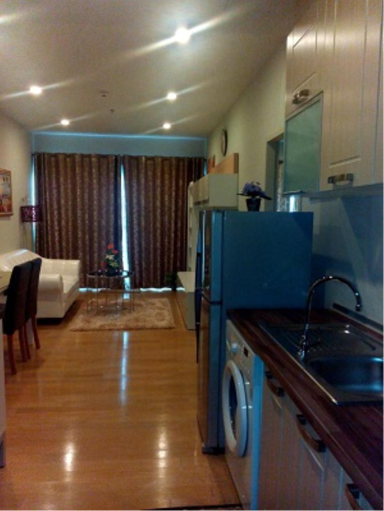 BKK Condos Agency's One bedroom condo for rent at Noble Refine  11