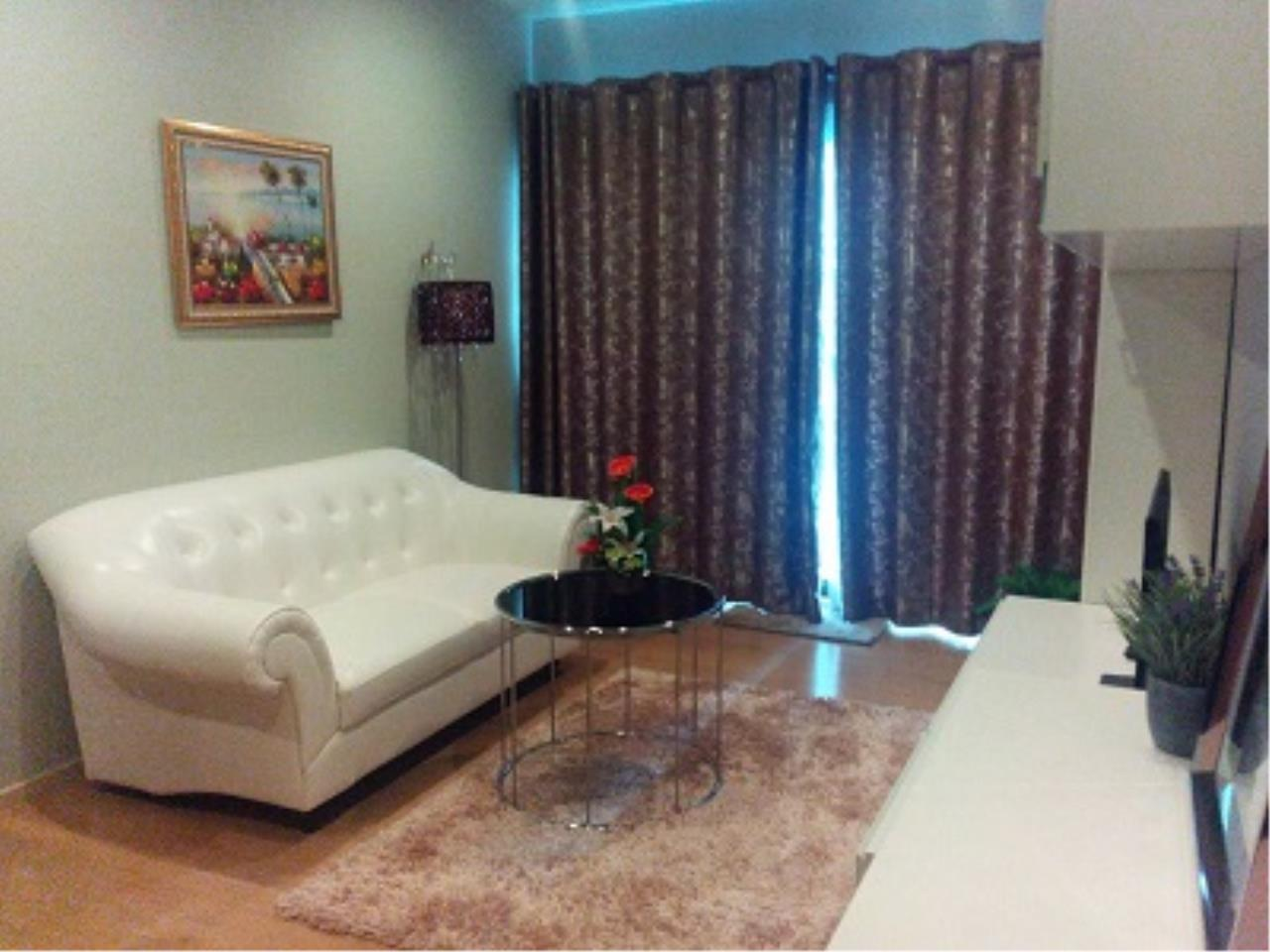 BKK Condos Agency's One bedroom condo for rent at Noble Refine  8