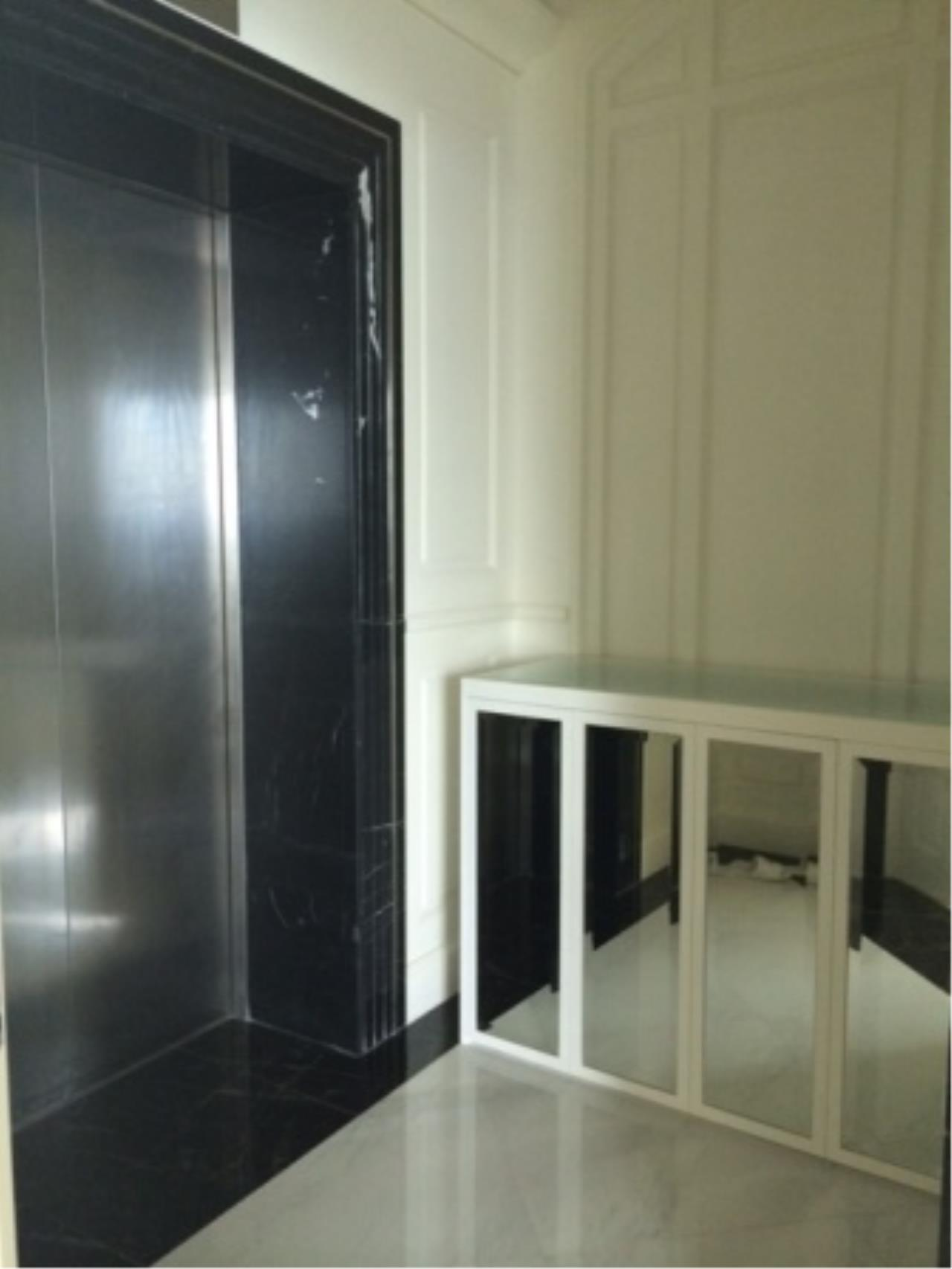 BKK Condos Agency's Luxury two bedroom condo for rent at Royce Residence  9