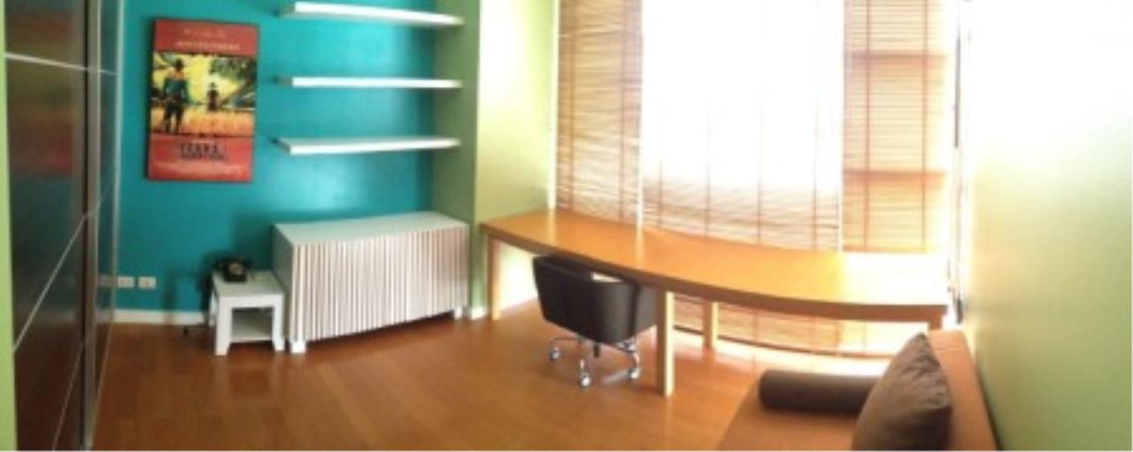 BKK Condos Agency's Three bedroom condo for rent at Fullerton Sukhumvit  8