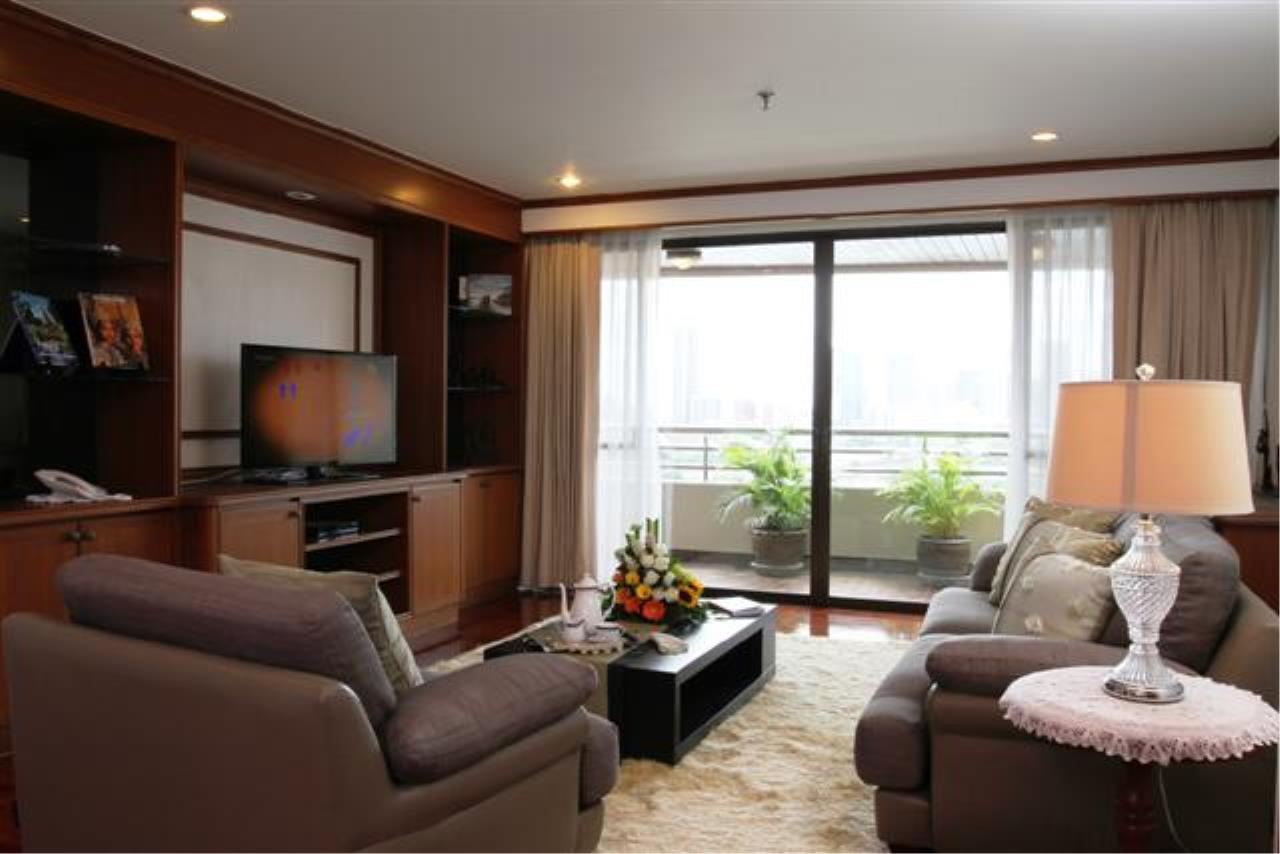 BKK Condos Agency's  Two Bedroom executive suite for rent at Mayfair Garden Apartment 12