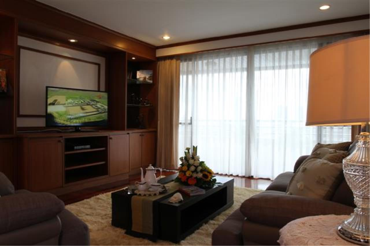 BKK Condos Agency's  Two Bedroom executive suite for rent at Mayfair Garden Apartment 10