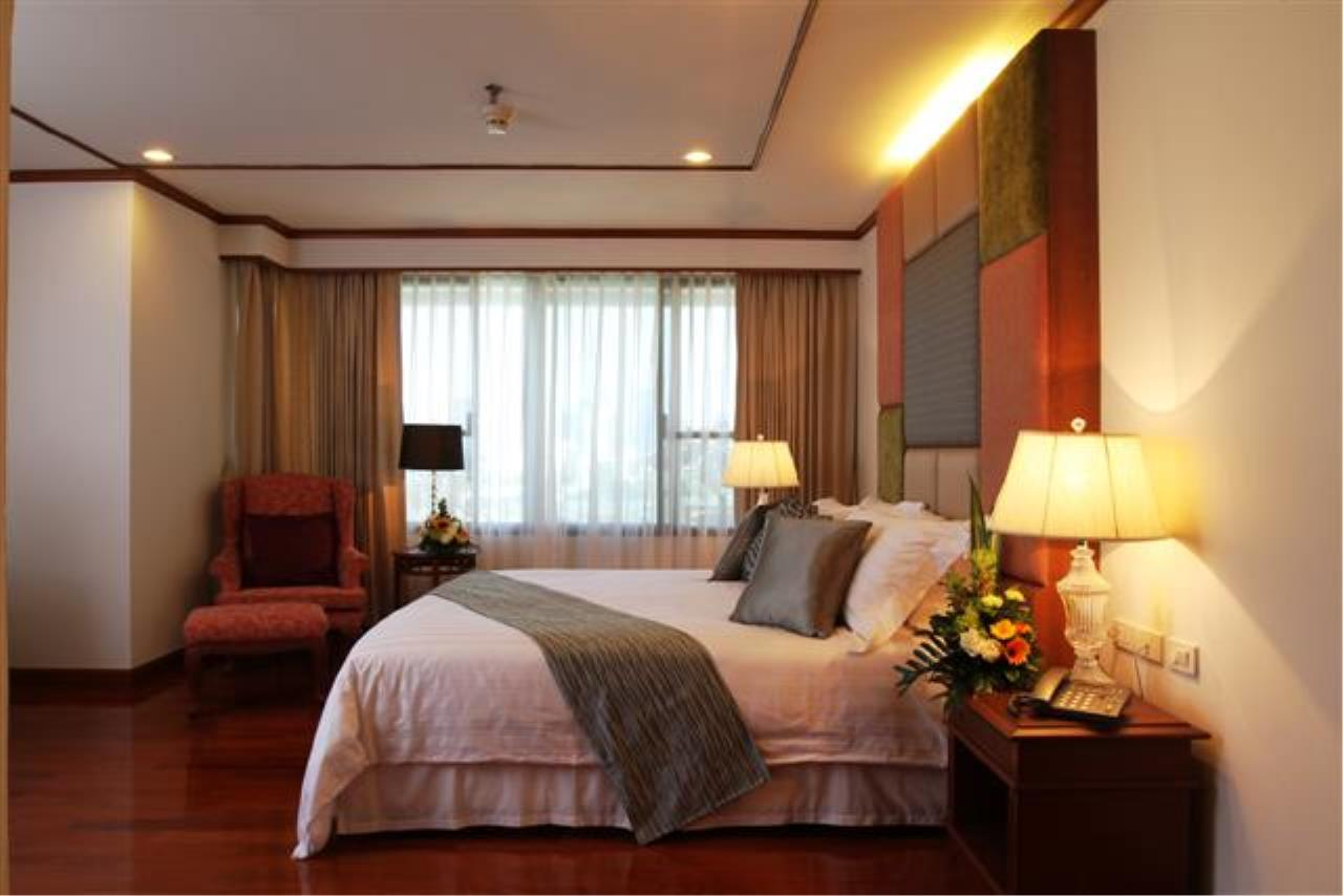 BKK Condos Agency's  Two Bedroom executive suite for rent at Mayfair Garden Apartment 4