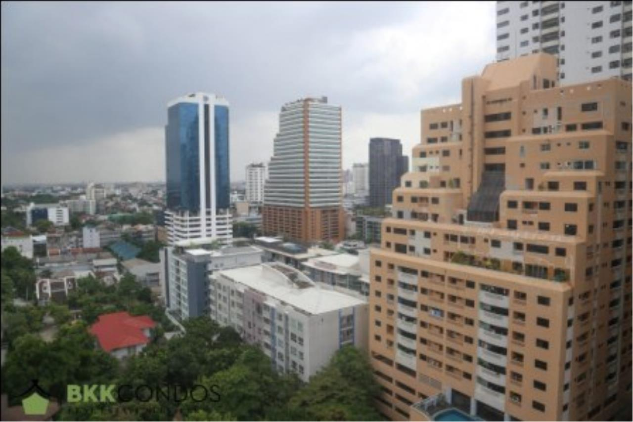 BKK Condos Agency's 2 bedroom condo + 1 office room for rent or sale at The Moon Tower 25