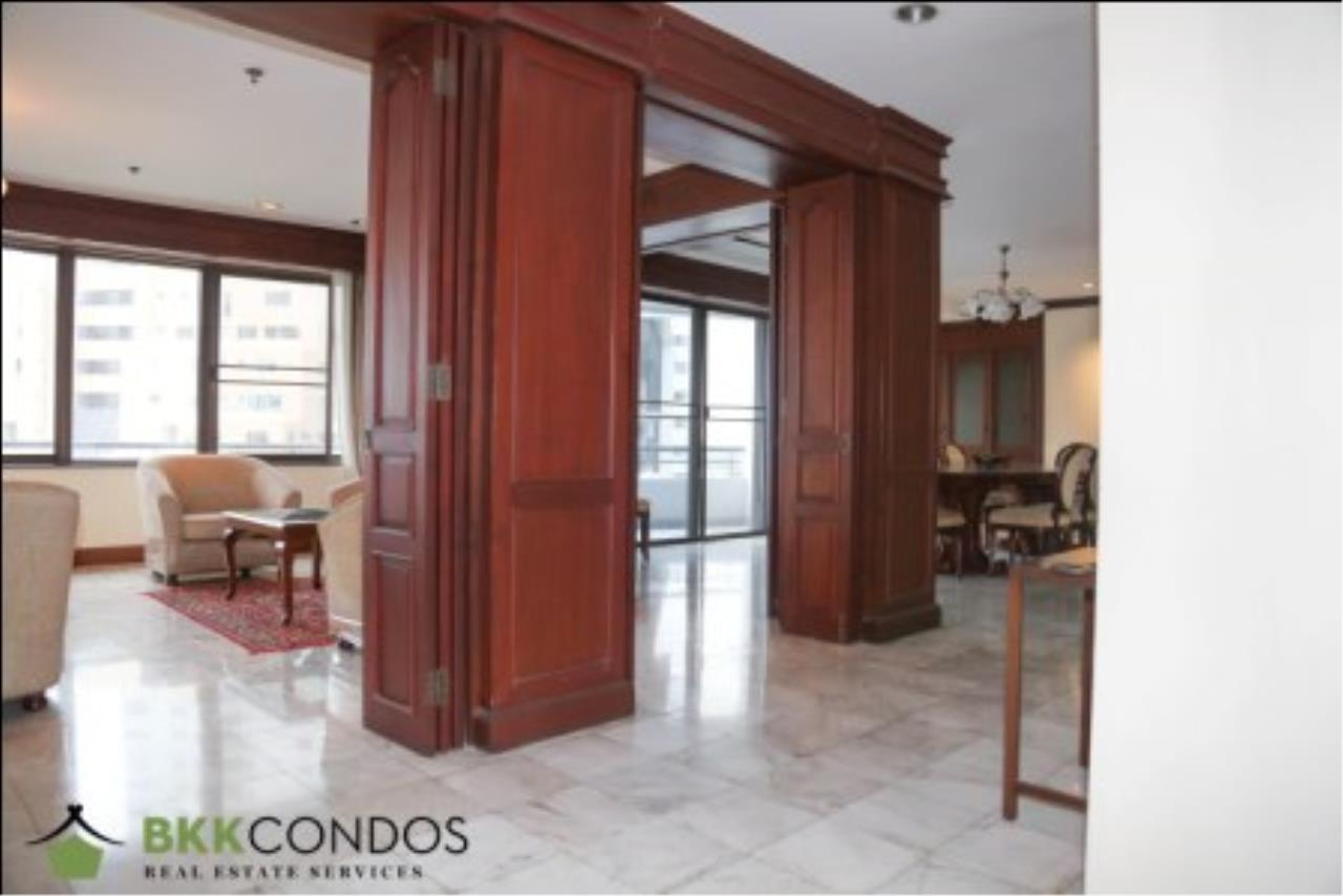 BKK Condos Agency's 2 bedroom condo + 1 office room for rent or sale at The Moon Tower 24