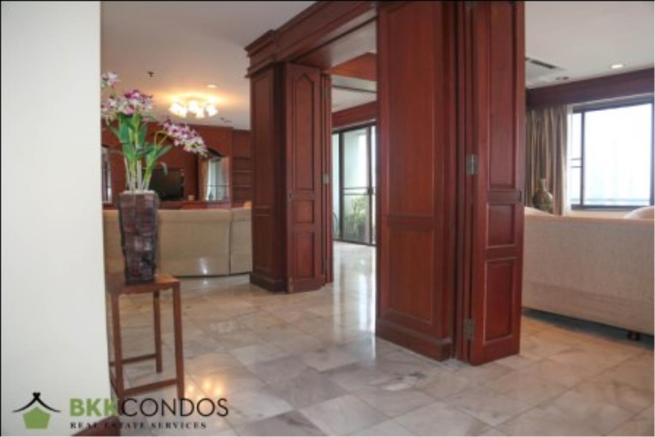 BKK Condos Agency's 2 bedroom condo + 1 office room for rent or sale at The Moon Tower 23