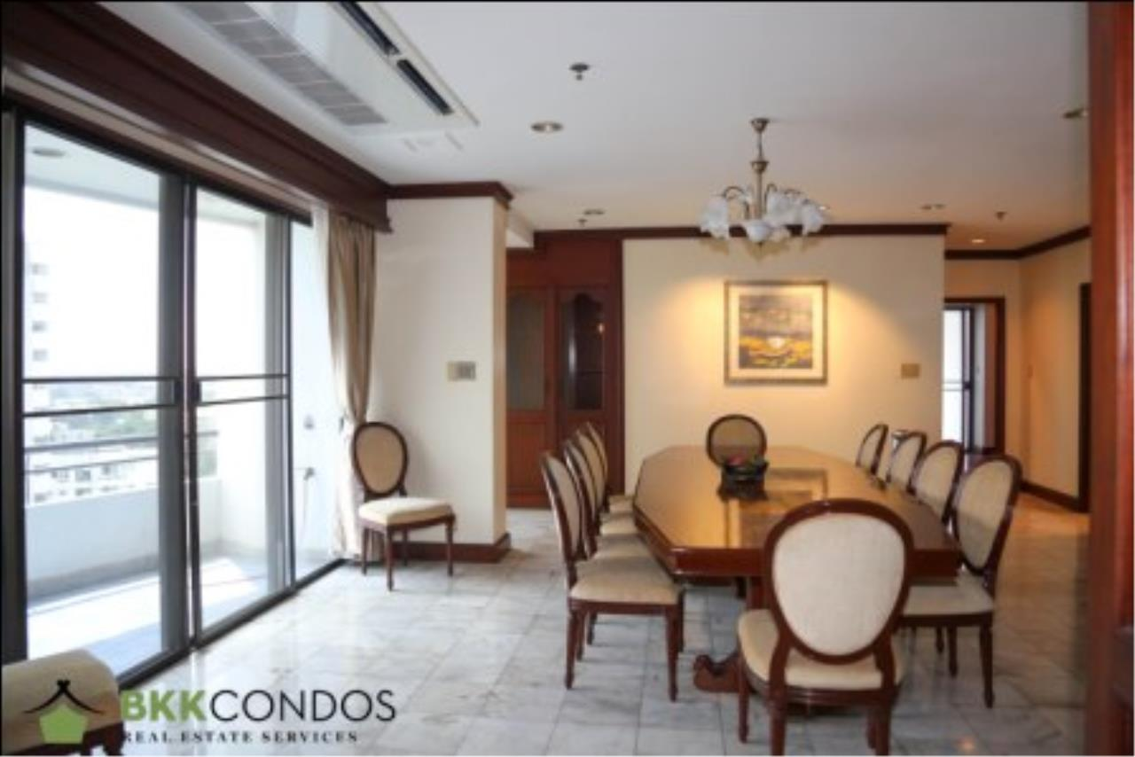 BKK Condos Agency's 2 bedroom condo + 1 office room for rent or sale at The Moon Tower 21