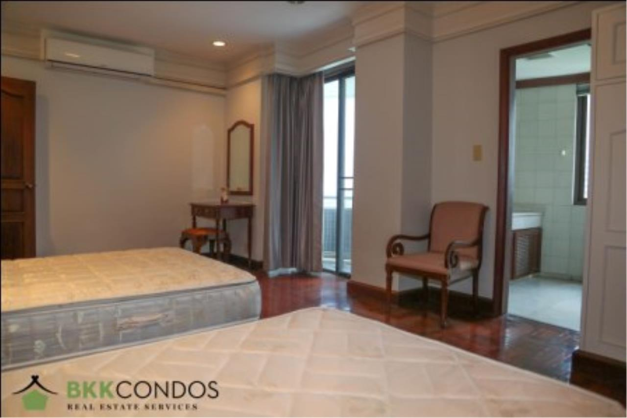 BKK Condos Agency's 2 bedroom condo + 1 office room for rent or sale at The Moon Tower 14