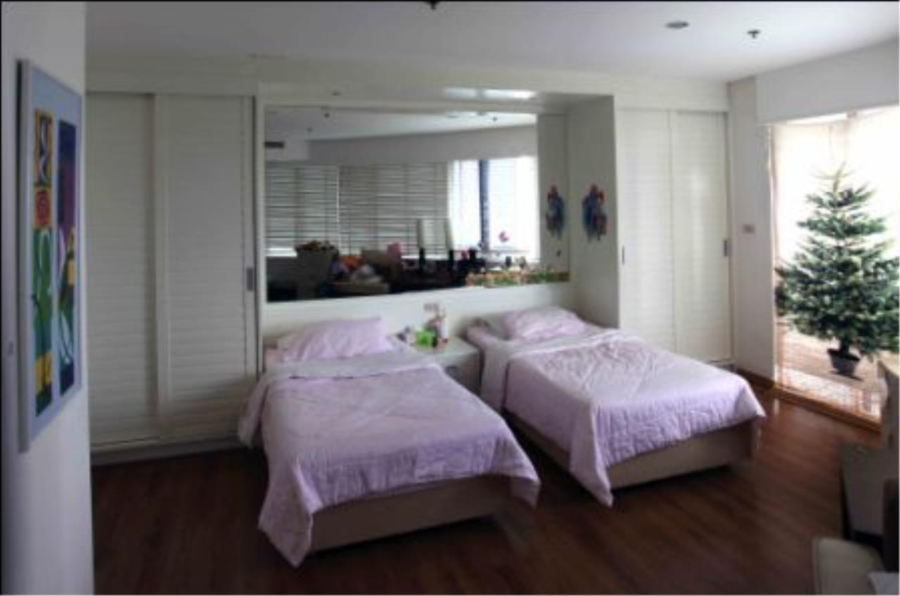 BKK Condos Agency's Duplex 3 bedroom for sale at Moon Tower 11