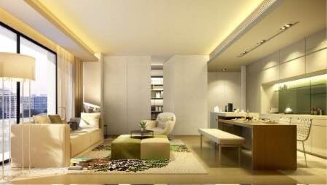 BKK Condos Agency's 3 bedroom condo for sale in good location at Circle Sukhumvit 11  10