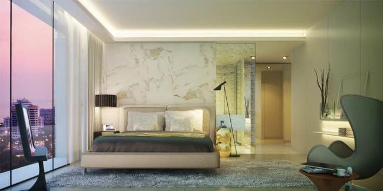 BKK Condos Agency's 3 bedroom condo for sale in good location at Circle Sukhumvit 11  9