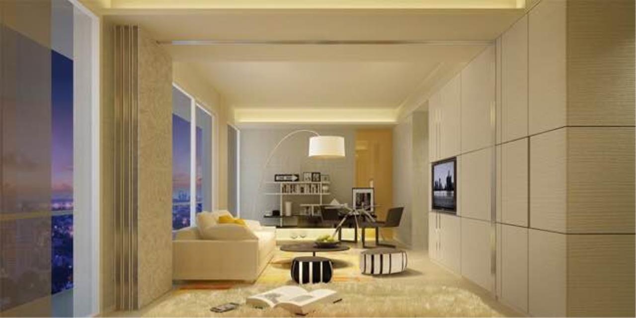 BKK Condos Agency's 3 bedroom condo for sale in good location at Circle Sukhumvit 11  8
