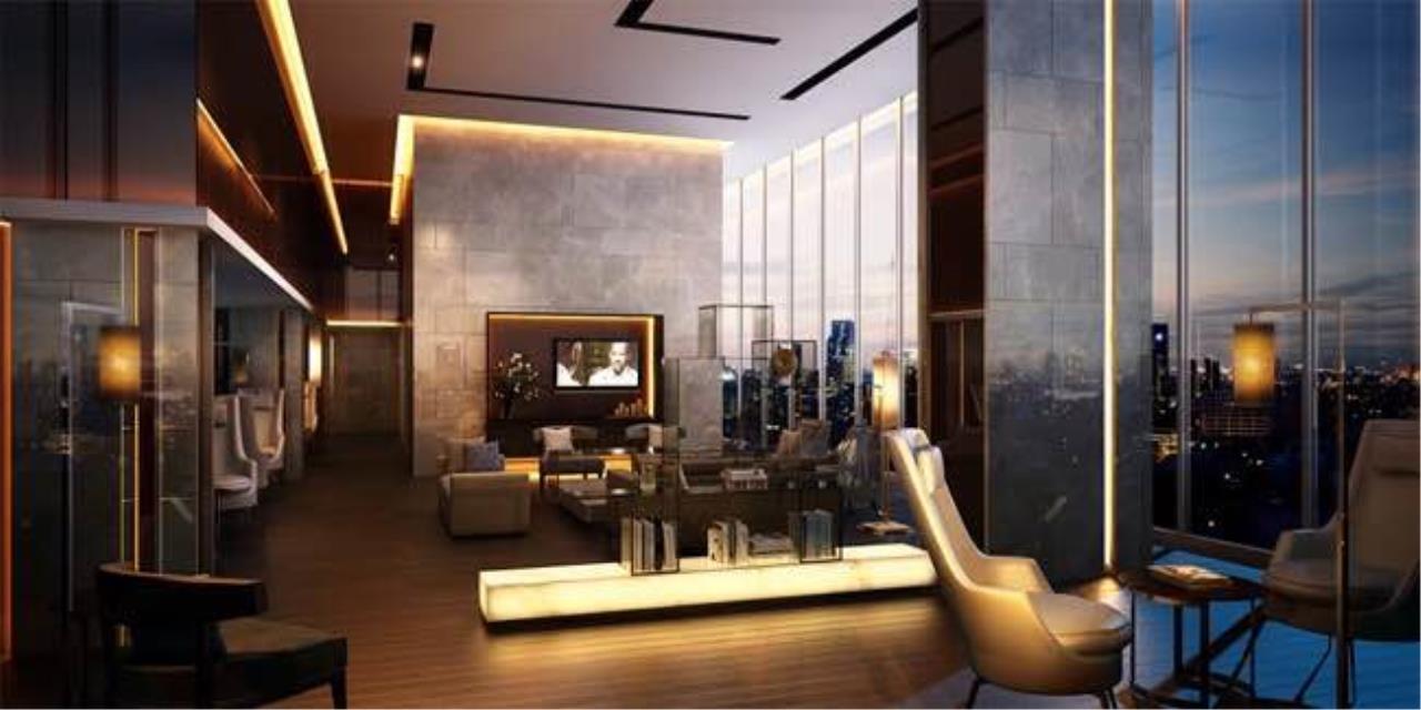 BKK Condos Agency's 3 bedroom condo for sale in good location at Circle Sukhumvit 11  7