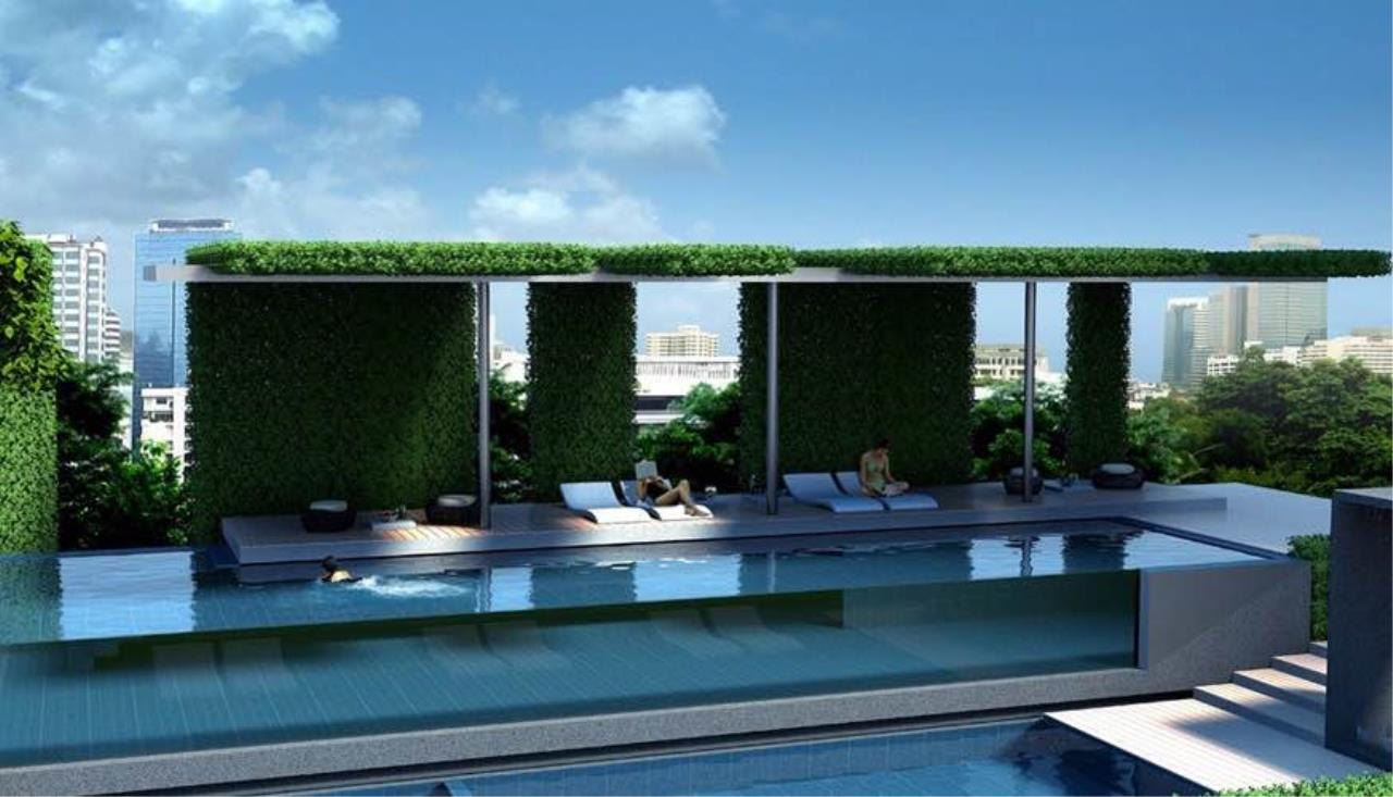 BKK Condos Agency's 3 bedroom condo for sale in good location at Circle Sukhumvit 11  6