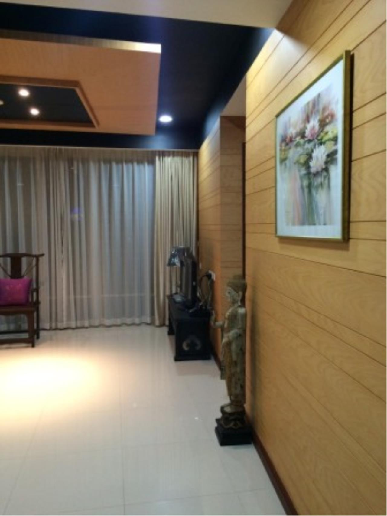 BKK Condos Agency's Attractive 2 bedroom condo for sale at Baan Rajprasong 5