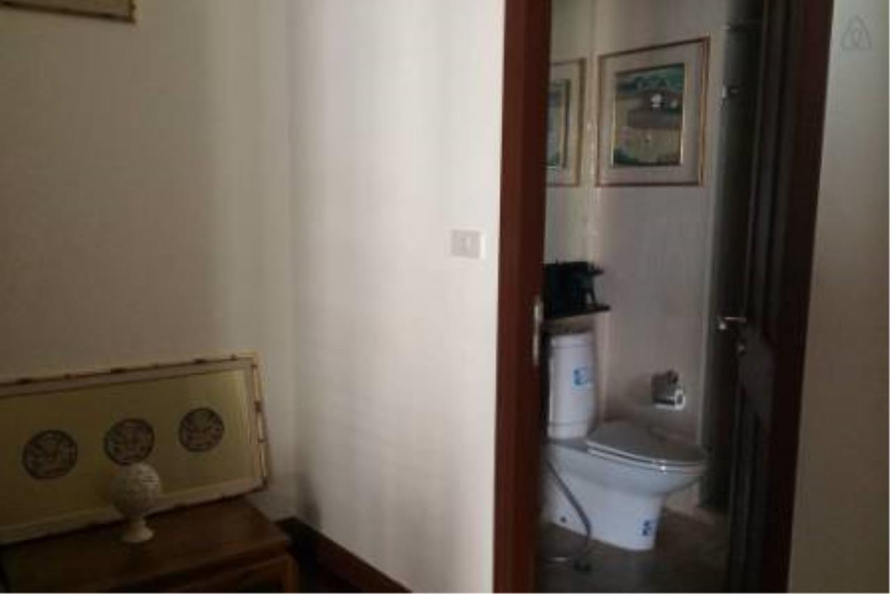 BKK Condos Agency's Attractive 2 bedroom condo for sale at Baan Rajprasong 3
