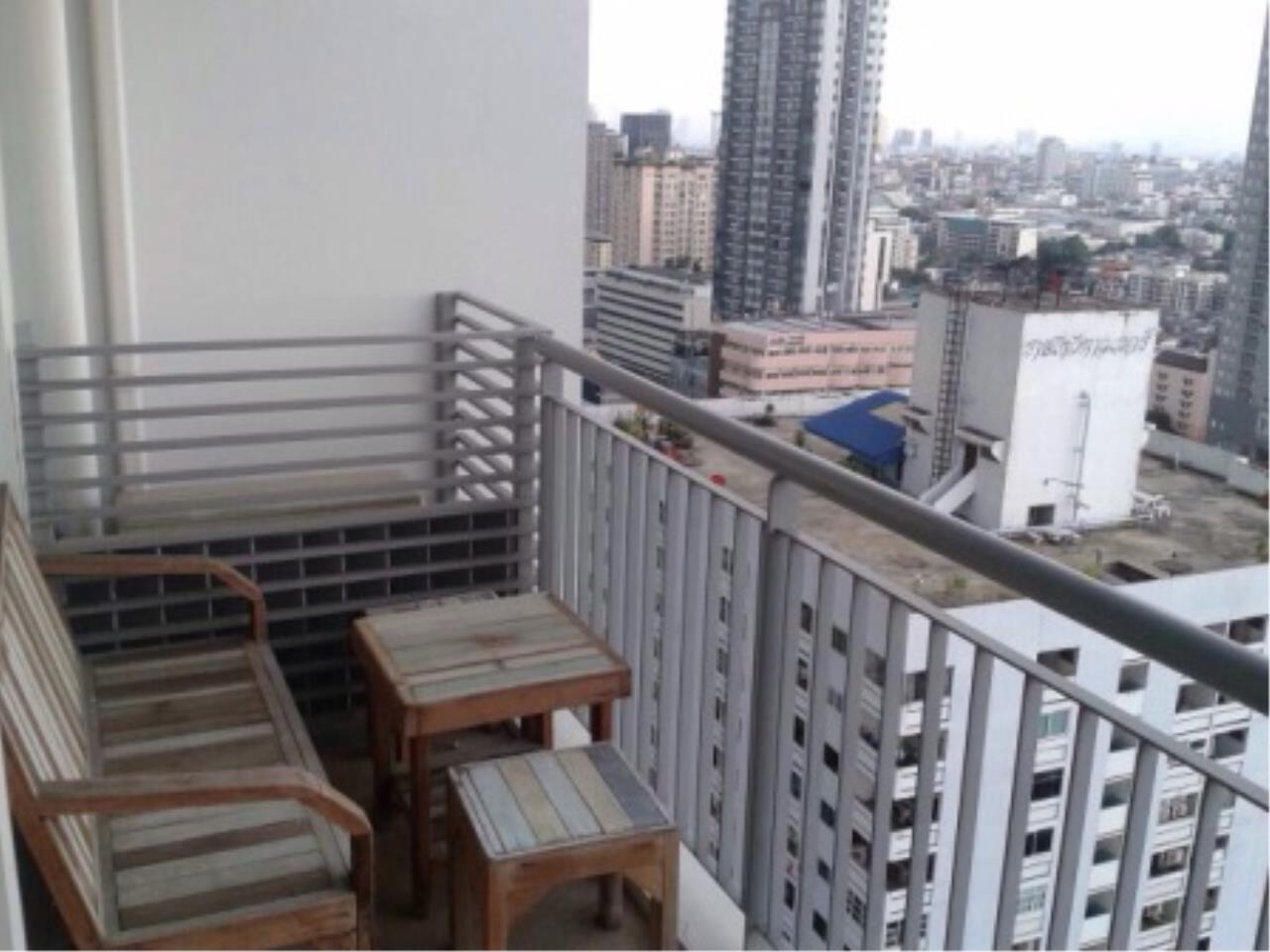 BKK Condos Agency's 2 bedroom condo for sale at Villa Ratchathewi 8