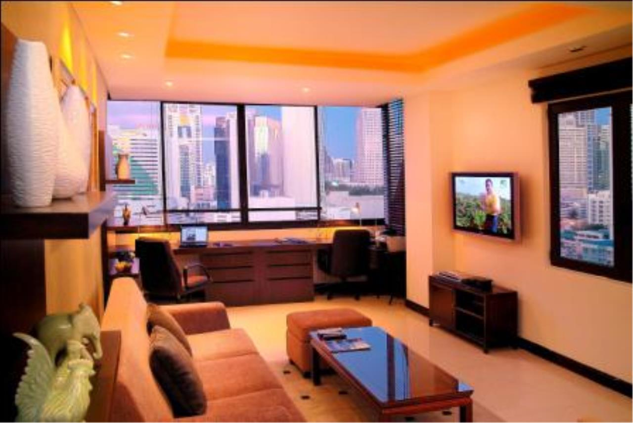 BKK Condos Agency's 2 bedroom penthouse for sale with tenant at Heritage Condo 1