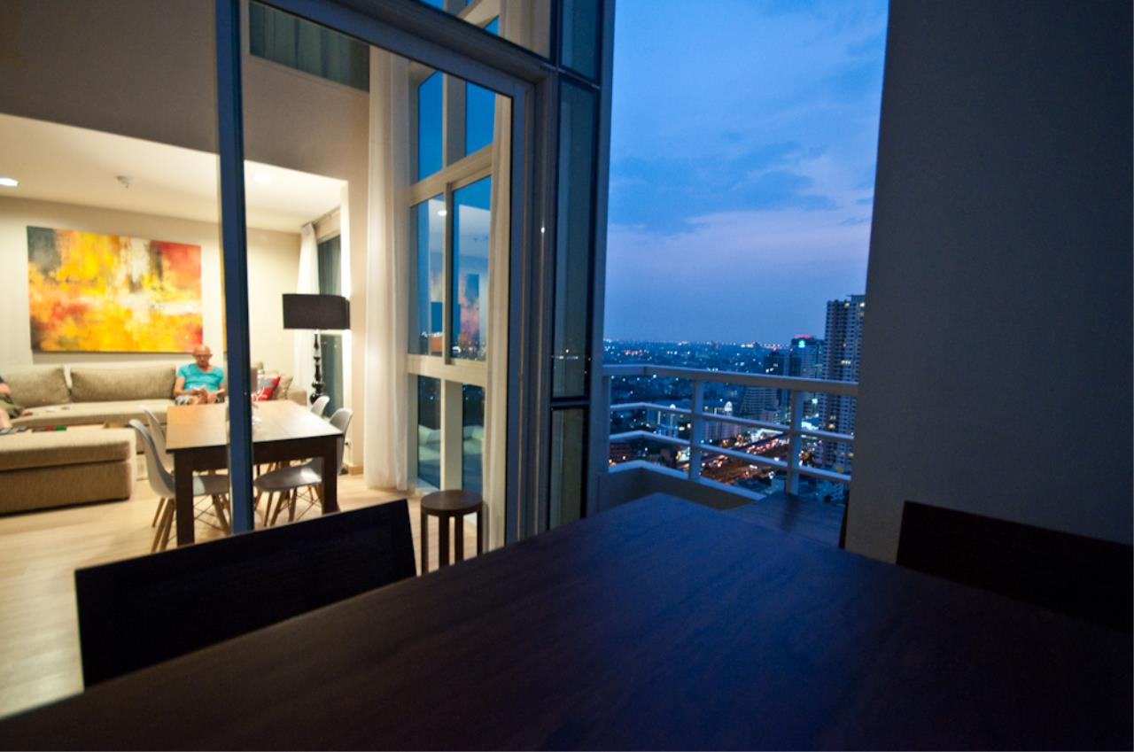 BKK Condos Agency's 3 bedroom penthouse for sale at The Lighthouse 16