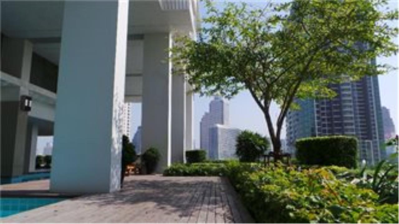 BKK Condos Agency's 3 bedroom penthouse for sale at The Lighthouse 33