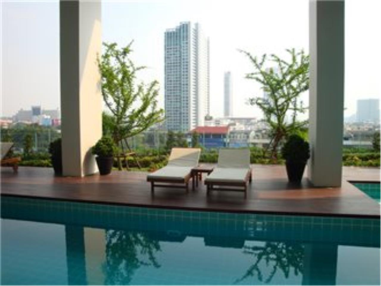 BKK Condos Agency's 3 bedroom penthouse for sale at The Lighthouse 15
