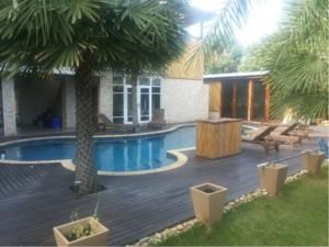 BKK Condos Agency's 8 bedroom compound for sale with the pool at Windwill Bangna 2
