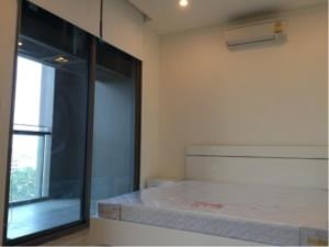 BKK Condos Agency's One bedroom condo for rent at The Breeze Narathiwas 4