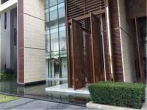 BKK Condos Agency's One bedroom condo for rent at The Breeze Narathiwas 13