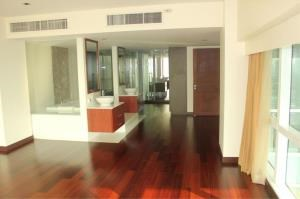 BKK Condos Agency's 3 bedroom condo for rent at Le Raffine Jambunuda Sukhumvit 31 6