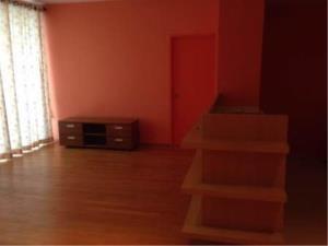 BKK Condos Agency's 1 2 bedroom condo for rent at Villa Ratchathewi 8