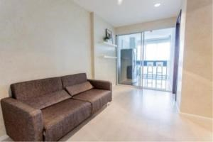 BKK Condos Agency's 1 bedroom condo for rent at Rhythm Sathorn   Narathiwas   5
