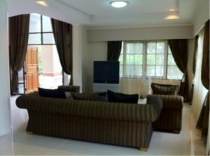 BKK Condos Agency's 3 bedroom house for rent or sale a Canal Ville 3