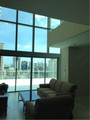BKK Condos Agency's Duplex 2 bedroom condo for rent and for sale at The Room Sukhumvit 21 1