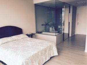 BKK Condos Agency's Duplex 2 bedroom condo for rent and for sale at The Room Sukhumvit 21 6