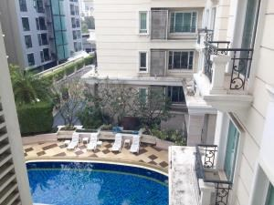 BKK Condos Agency's 3 bedroom condo for rent at La Vie En Rose Place 6