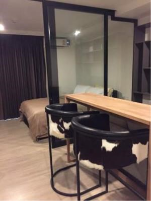 BKK Condos Agency's 1 bedroom condo for rent at Maestro 02 Ruamrudee 5