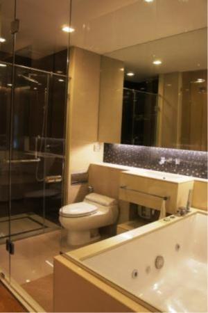 BKK Condos Agency's 1 bedroom condo for rent at The Address Asoke 11