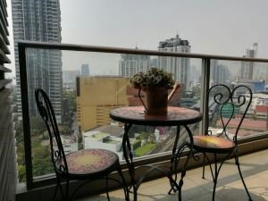 BKK Condos Agency's 2 bedroom condo for rent at The Lofts Ekkamai 7