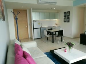 BKK Condos Agency's 2 bedroom condo for rent at The Lofts Ekkamai 5