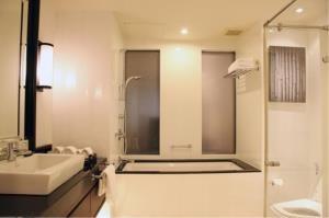 BKK Condos Agency's 2 bedroom condo for rent at Saladaeng Colonnade 5