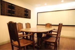 BKK Condos Agency's 2 bedroom condo for rent at Saladaeng Colonnade 11