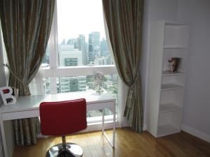 BKK Condos Agency's 2 bedroom condo for rent at Millennium Residence 8